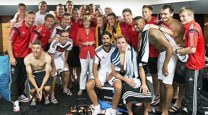 Merkel_kabine_getty_01_59632_p88072
